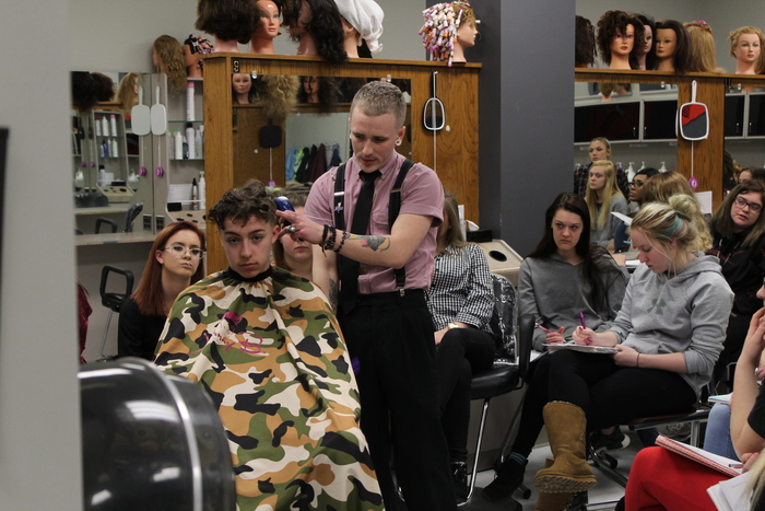 Donovan Anderson cuts Luke Kelly's hair